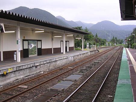 鳴子温泉駅ホーム1