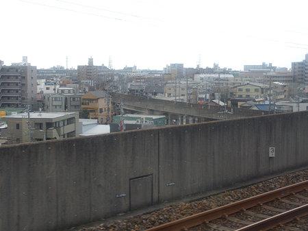 城北線から見る名鉄犬山線