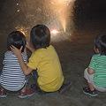 花火と子ども03