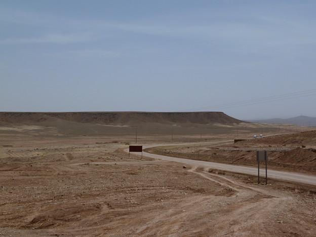 荒涼としたモロッコの土漠