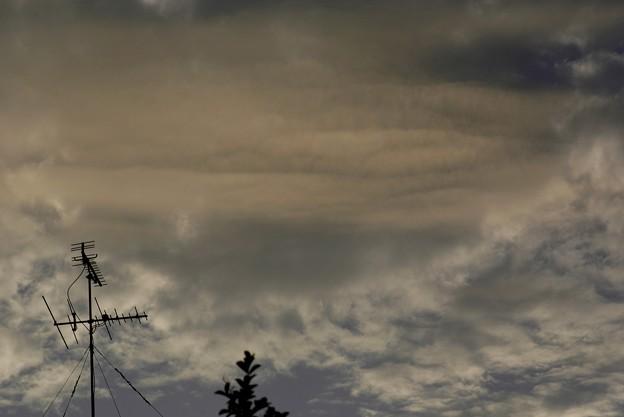 練乳色に染まる雲 004