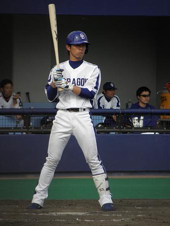 074 柳田は落ち着いて四球を選びます