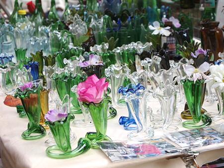廃品の瓶を再利用した花瓶