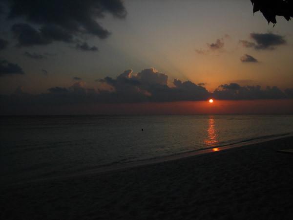 インド洋に沈む夕陽
