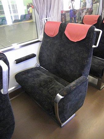 80E-座席