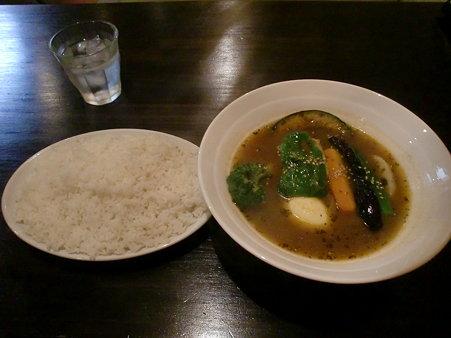 マグマ 豆腐と野菜のカレー (辛さ10倍、ライス大盛り)