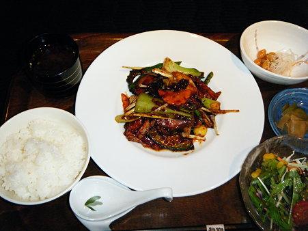 豚バラ肉と野菜のピリ辛味噌炒め