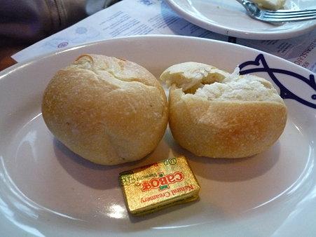 リーガルシーフードのパン