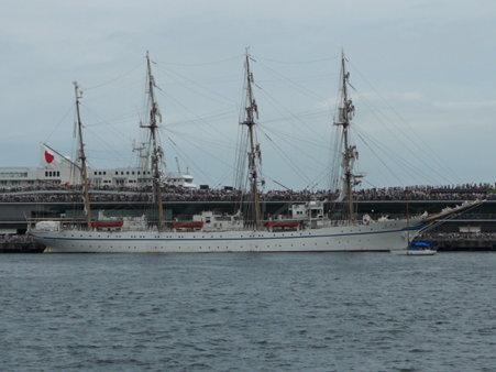 090720-大桟橋 総帆展帆 (17)