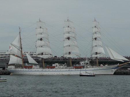 090720-大桟橋 総帆展帆 (40)