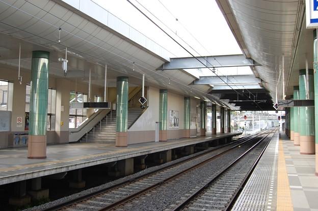京成電鉄 学園前駅ホーム