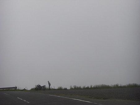 亀石峠 な~んも見えん
