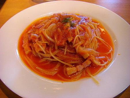 玉葱とベーコンのトマトスパゲッティー
