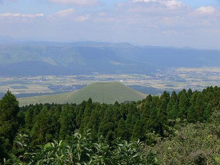 草千里から米塚