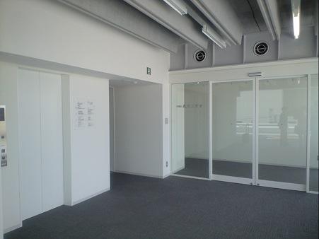 東工大蔵前会館 (Tokyo Tech Front) 4階エレベータホール
