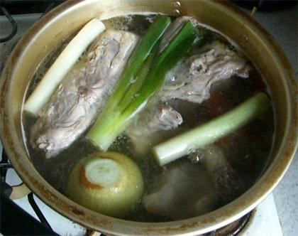 スープ仕込みちゅう