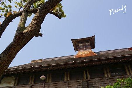 望楼のある旧講堂(御成小学校)・・