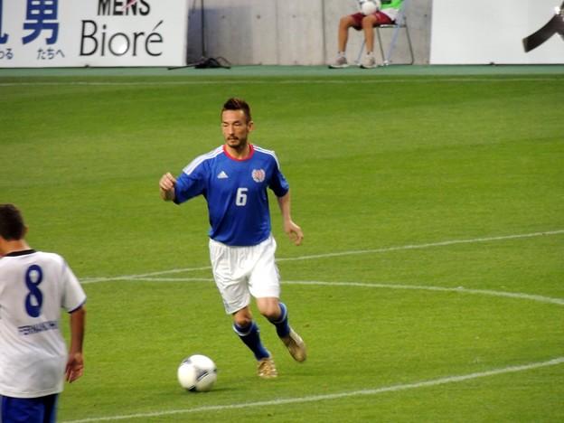 試合にも出場した中田ヒデのドリブル。