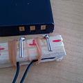 写真: クリップ電極を割り箸に固定してみた