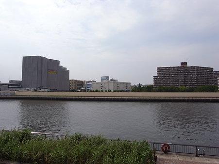 建設中のサンクタスガーデン北千住(2009/7)
