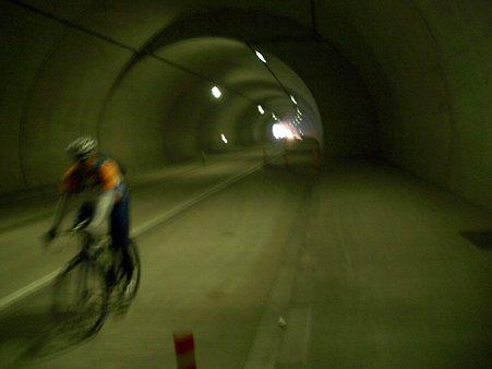 上蒲刈トンネル非常駐車帯