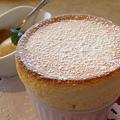 写真: チーズスフレと塩キャラメルアイス♪