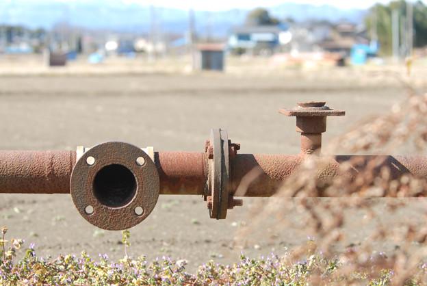 <錆びた給水管>