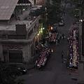 Photos: 通りのイフタールを俯瞰